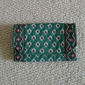 Vera Bradley retired Greenfield wallet